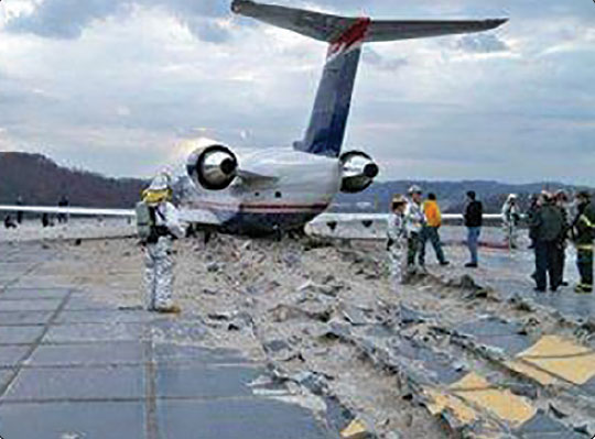 Figure 14-58. A Bombardier CRJ-200 regional jet overran the runway at Yeager Airport (KCRW) in Charleston, West Virginia.