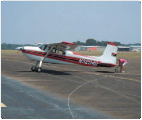 Figure 12-6. It is both the tow pilot and glider pilots responsibility to check the condition of the tow rope before flight.
